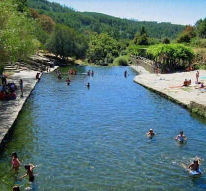 Kleinschalig Strand aan rivier de Tâmega vlakbij het woonproject Easy Living Portugal